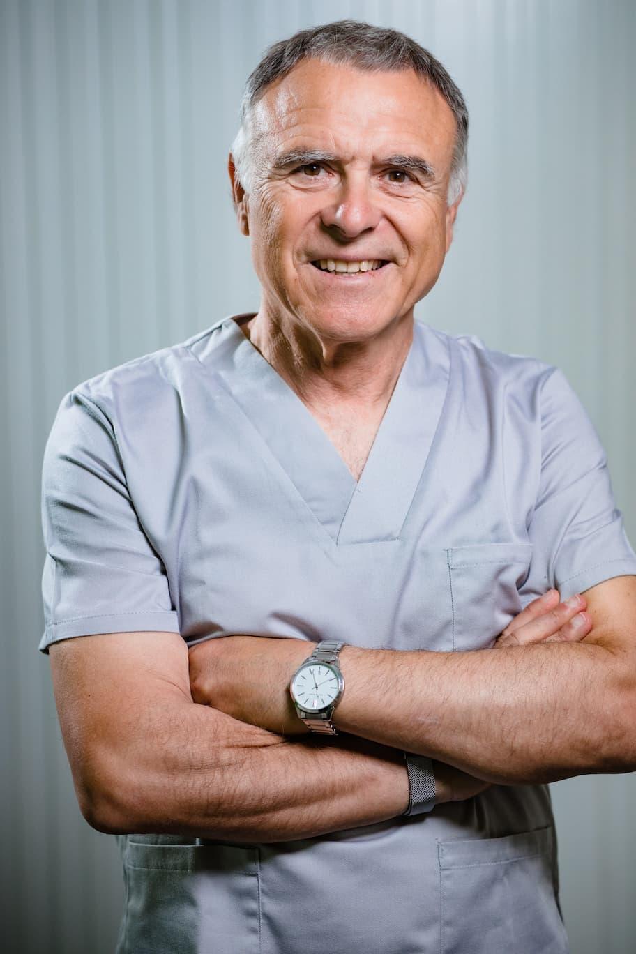 sergio manzanera dentista